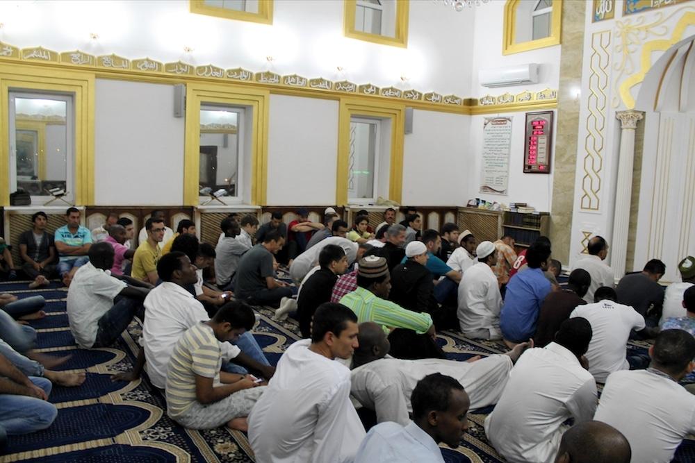 Проповедь в перерыв молитвы Таравих. Луганская соборная мечеть